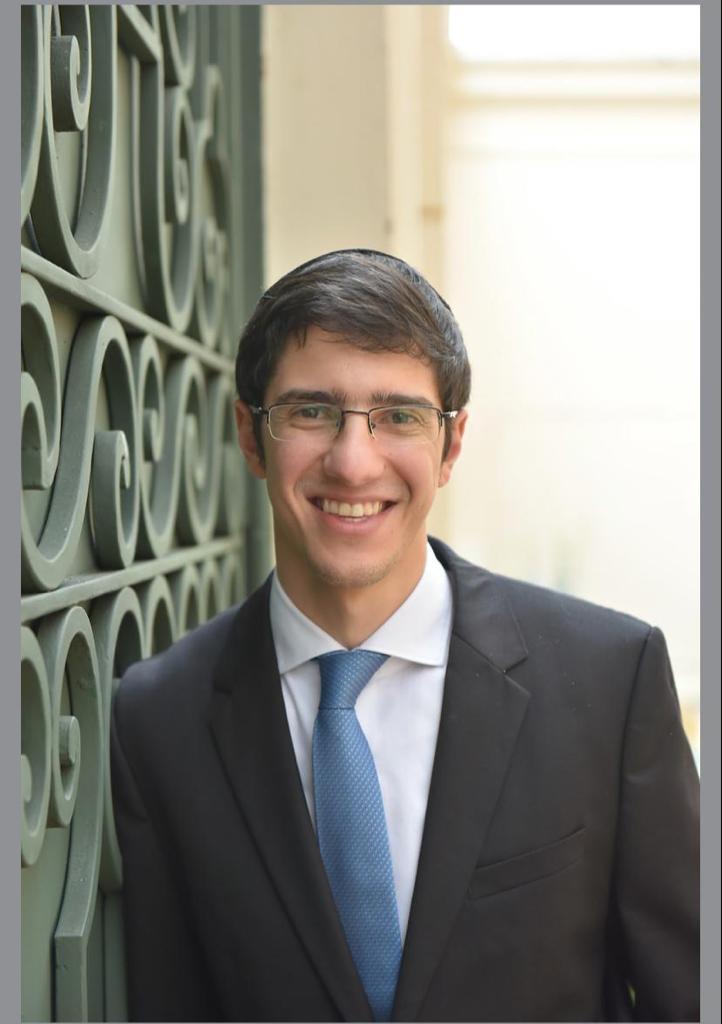 """Nissim Betesh, <span style=""""color:#39bac4"""">ex-aluno e atual professor de Tefilá do EFII  </span>"""